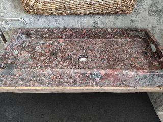 Granit sinkt